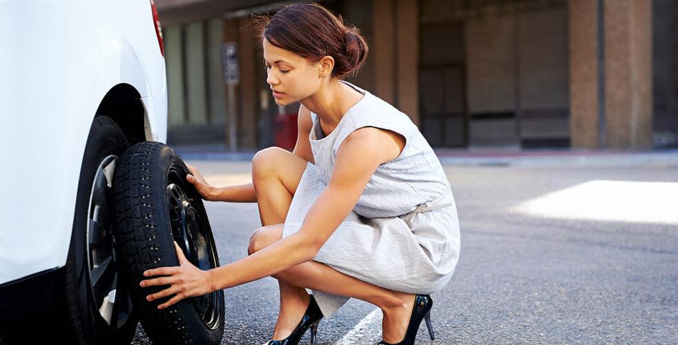 Acabaram as dúvidas: aprenda definitivamente a trocar pneus de forma simples e rápida!